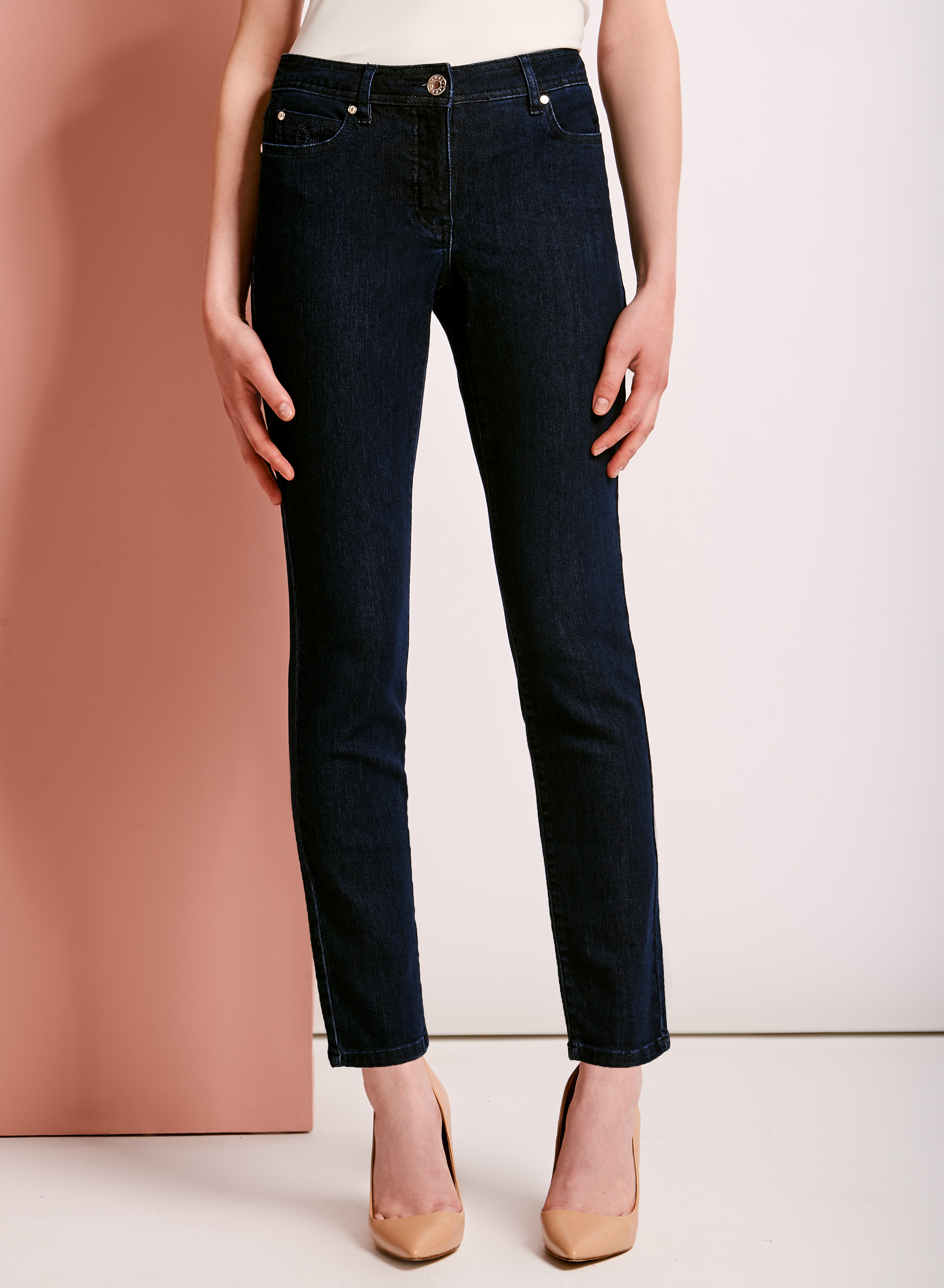 Embroidered modern fit straight leg jeans laura