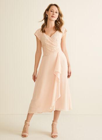 Robe ajustée et évasée à haut en dentelle, Rose,  robe de soirée, dentelle, pailletée, ajustée évasée, crêpe, plis, drapé, printemps été 2020