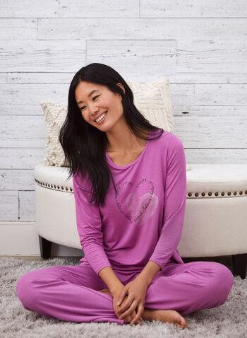 Haut de pyjama avec détails en coeur, Rose,  automne 2021, vêtement de nuit, haut de pyjama, t-shirt, pyjama, col rond, encolure arrondie, manches longues, doux, détail, coeur, message, cristaux, strass, brillant, scintillant, imprimé. motif, plus