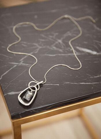 Collier long à pendentifs géométriques, Argent,  accessoires, bijoux, collier, collier long, chaîne serpent, ajustable, fermoir mousqueton, pendentifs géométriques, insertion, cristal, argent, automne hiver 2021