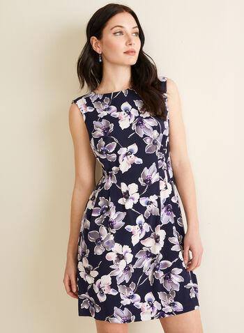 Robe fleurie ajustée et évasée, Violet,  robe de jour, fleurie, mancherons, ajustée évasée, poches, printemps été 2020