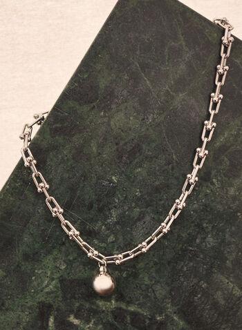 Collier à maillons et pendentif boule, Argent,  accessoire, bijou, collier, maillons argentés, pendentif, boule, printemps été 2021