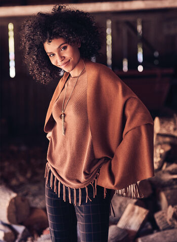 Pull style poncho à franges, Brun,  automne hiver 2020, pull, chandail, tricot, poncho, asymétrique, manches longues, encolure bateau, franges