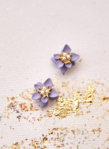 Boucles d'oreilles sur tige à fleurs et perles, Bleu,  accessoire, bijou, boucles d'oreilles, sur tige, fleur, résine, doré, perles, printemps été 2021