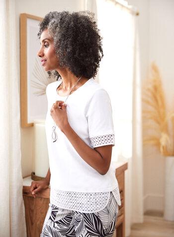 T-shirt à broderie anglaise , Blanc,  printemps été 2021, haut, blouse, t-shirt, broderie anglaise, manches courtes, fentes, encolure arrondie