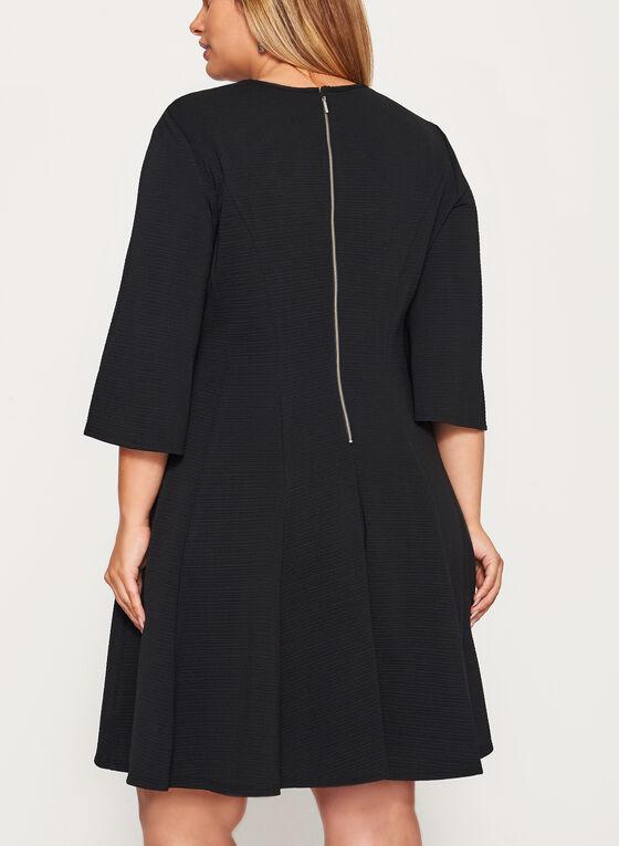 Robe ajustée et évasée avec col ajouré, Noir, hi-res