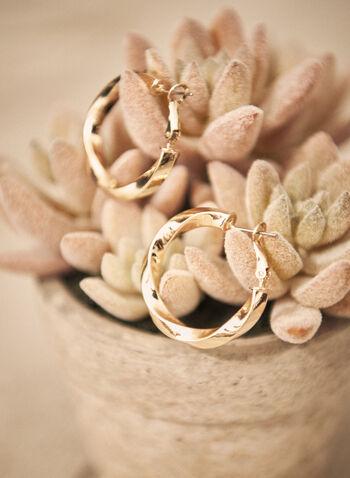 Boucles d'oreilles à anneau torsadé, Or,  automne 2021, accessoires, boucles d'oreilles, anneau, texturé, petit, levier arrière, fermoir, fermoir dormeuse, bijoux