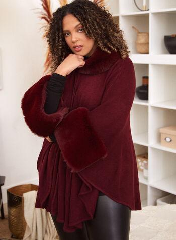 Poncho à col et poignets en fausse fourrure, Rouge,  accessoires, foulard, poncho, fausse fourrure, bouton, ourlet arrondi, automne hiver 2021