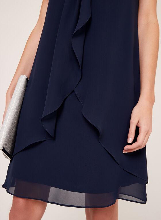 Robe en mousseline avec effet drapé et strass au col, Bleu, hi-res