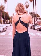Robe au corsage illusion et strass colorés, Bleu