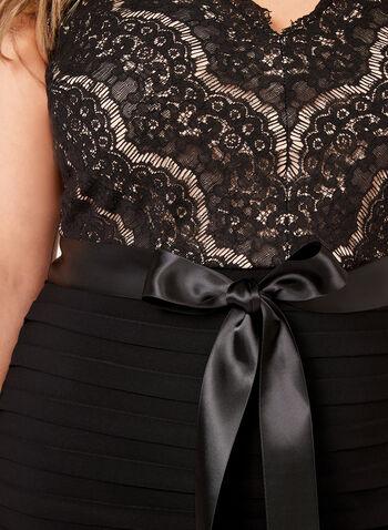 Robe avec corsage en dentelle et jupe étagée, Noir, hi-res