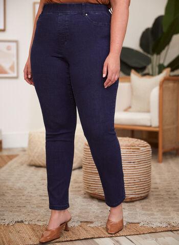Jean à enfiler à jambe étroite, Bleu,  pantalon, modèle à enfiler, jeans, jambe étroite, ganses pour ceinture, poches, rivets métalliques, denim extensible, automne 2021