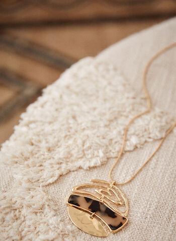 Collier à pendentif rond sectionné, Brun,  accessoires, bijoux, collier, chaîne, couleur dorée, pendentif arrondi, mélange, résine mouchetée, fermoir mousqueton, automne hiver 2021, chic, élégant, pendentif sectionné
