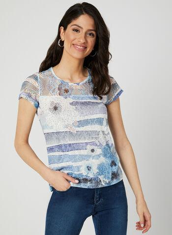 T-shirt à fleurs et détail crochet, Bleu, hi-res,  t-shirt, fleurs, rayures, strass, col dégagé, crochet, printemps 2019