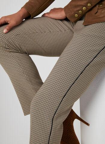Pantalon à imprimé pied-de-poule, Brun, hi-res,  jambe droite, taille mi-haute, hanches courbées, ceinture contour, coupe moderne, bordures contrastantes, automne hiver 2019