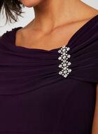 Robe drapée avec broche en cristaux, Violet, hi-res