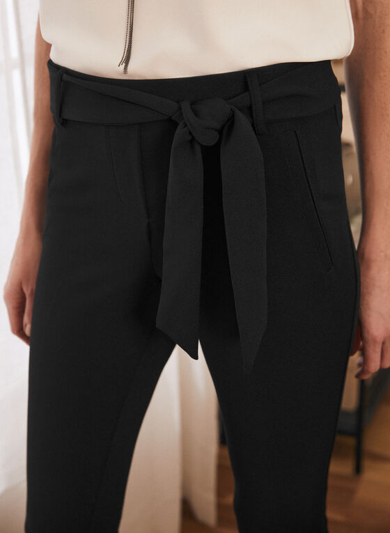 Slim Leg Pull-On Capris, Black