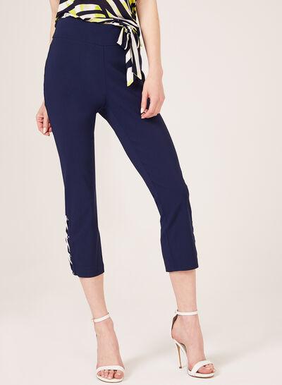 Modern Fit Pull-On Capri Pants