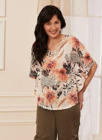 T-shirt floral à détails en dentelle, Brun,  t-shirt, manches 3/4, col v, fleurs, dentelle crochet, printemps été 2020