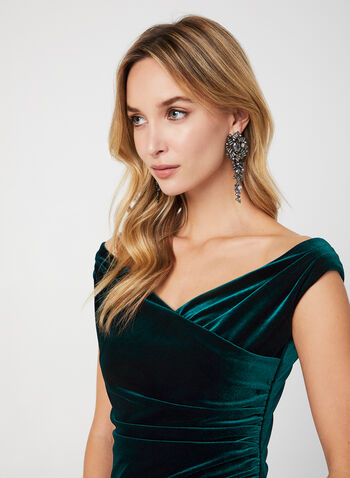 V-Neck Velvet Gown, Green,  dress, occasion dress, gown, velvet, V-neck, extended shoulder, slit, fall 2019, winter 2019