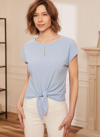 Haut à manches courtes et noeud, Bleu,  top, haut, blouse, encolure ronde, col rond, manches courtes, noeud, trou de serrure, fait au Canada, printemps été 2021