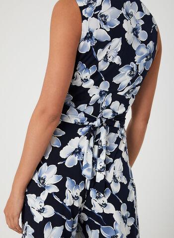 Combinaison fleurie à jambe large, Bleu, hi-res,  jersey, motif, nœud, sans manches, encolure en V, cache-cœur, printemps 2019