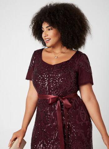 Robe en sequins à encolure cœur, Violet,  robe de soirée, manches courtes, col cœur, sequins, ceinture ruban, jupe à godets, automne hiver 2019
