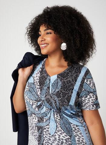 T-shirt à motif fantaisie et strass, Bleu, hi-res,  t-shirt, manches courtes, col V, strass, abstrait, animalier, automne hiver 2019