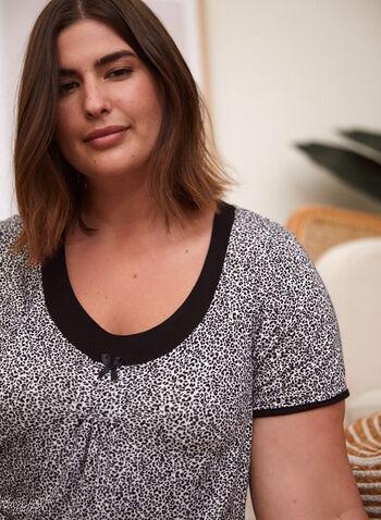 Ensemble pyjama à motif léopard et détails contrastants, Noir,  ensemble pyjama, 2 pièces, t-shirt, pantalon, encolure arrondie, contraste, manches courtes, détail plissé, boucle, motif léopard, animal, à enfiler, printemps été 2021