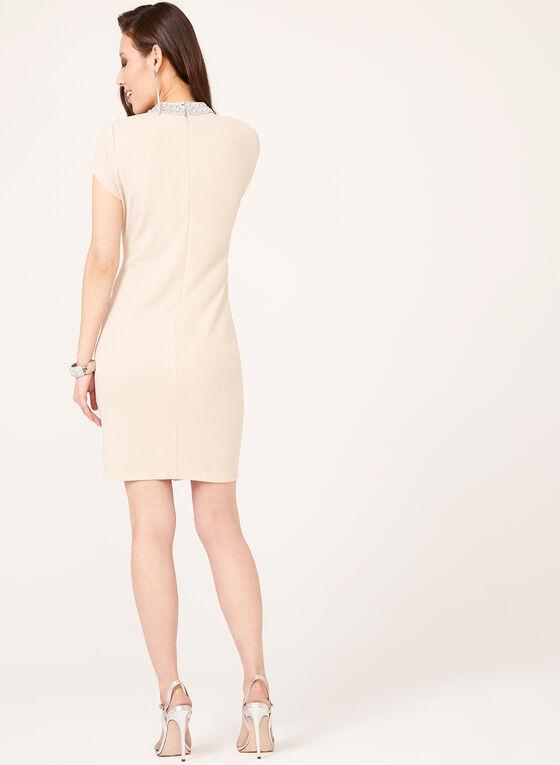Marina - Robe fourreau ajourée au col avec strass, Blanc cassé, hi-res