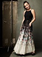 Robe au col licou et jupe fleurie avec taille en maille filet, Noir, hi-res