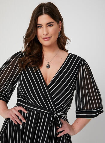 Robe rayée style enveloppe, Noir,  robe de jour, rayures, manches kimono, cache-cœur, enveloppe, printemps 2019