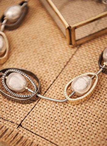 Collier à perles et anneaux ovales, Blanc cassé,  accessoires, bijoux, collier, chaîne serpent, anneaux ovales, détail, cristaux, perles, fermoir homard, automne hiver 2021