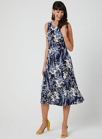 Robe fleurie à effet plissé, Bleu,  robe de jour, sans manches, col dégagé, fleurs, jersey, effet plissé, printemps 2019