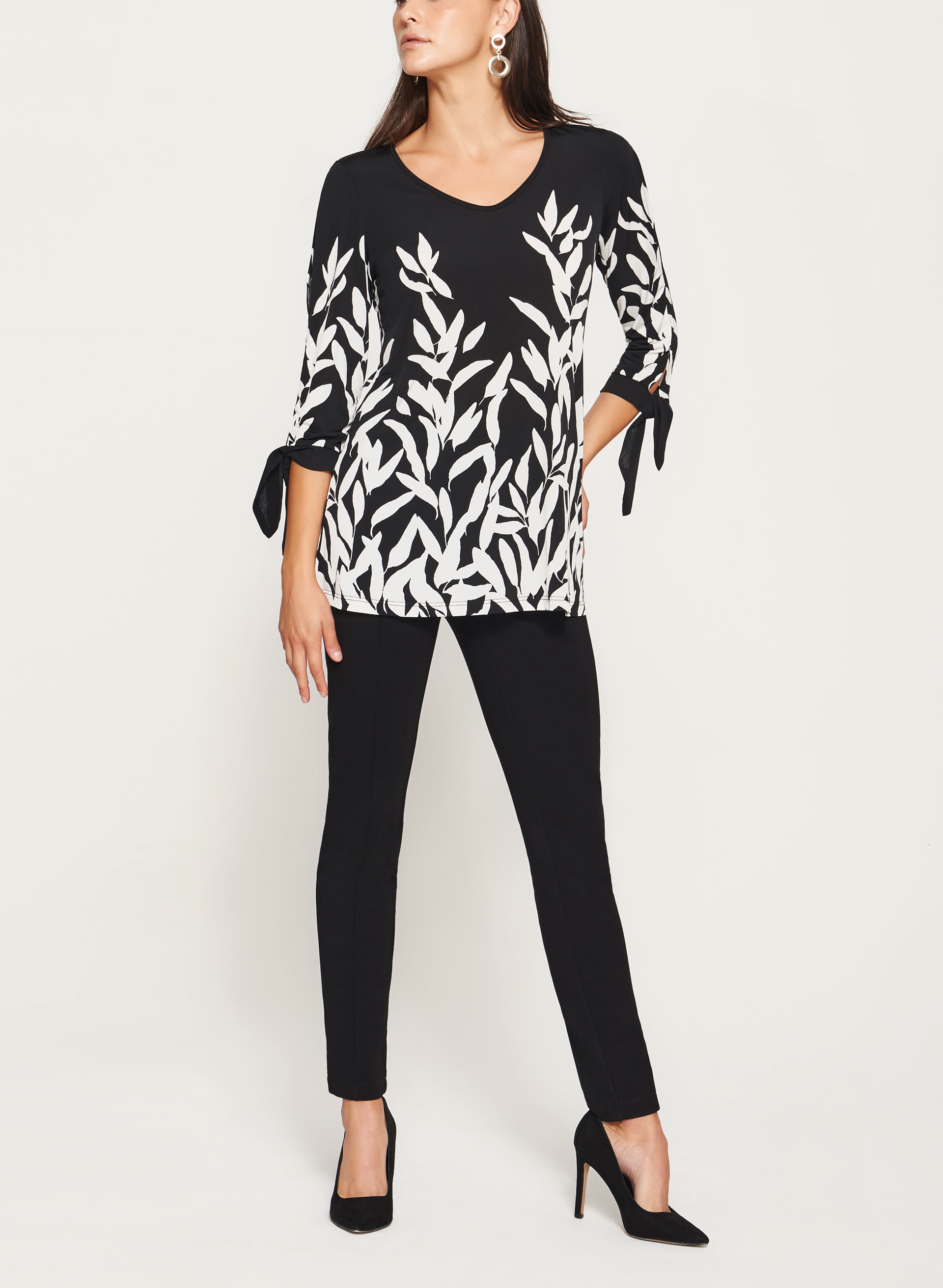 3/4 Sleeve Leafy Floral Print Tunic , Black, hi-res