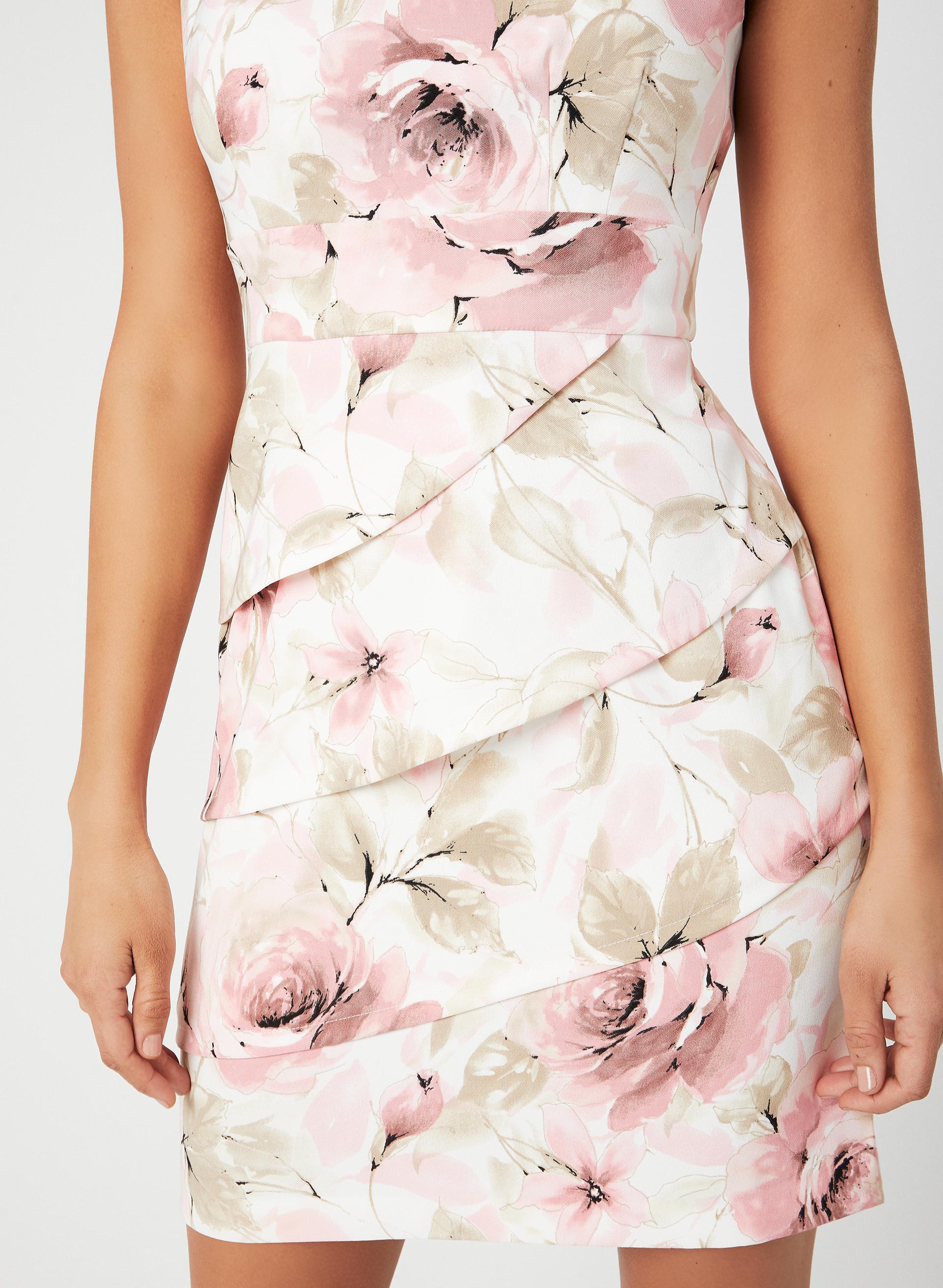 367ab596331 ... Robe ajustée à imprimé floral
