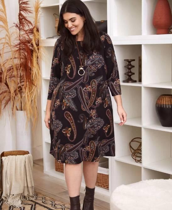 Robe trapèze à motif paisley